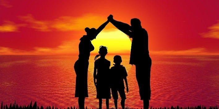 Familia al atardecer